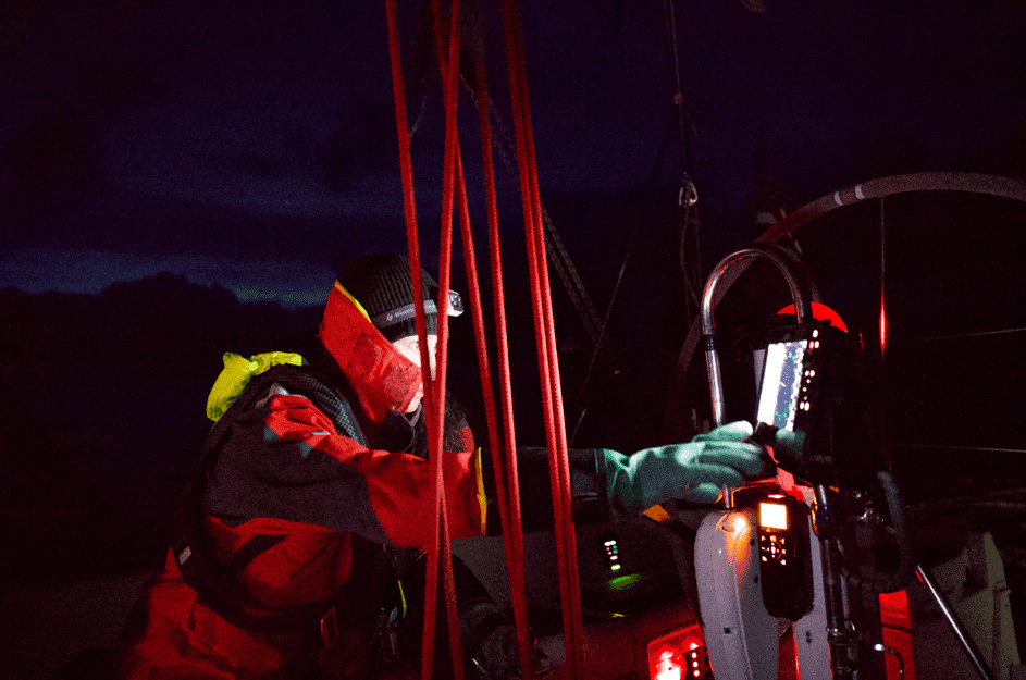 Biotechnologist Diane Seda on night shift at the North Sea Crossing. Photo: Tord Karlsen / Barba.no